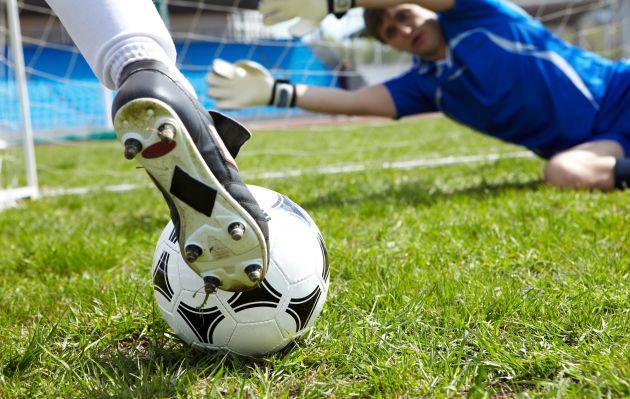 como evitar lesiones jugando al futbol