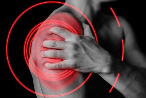 Dolor en el hombro al levantar el brazo