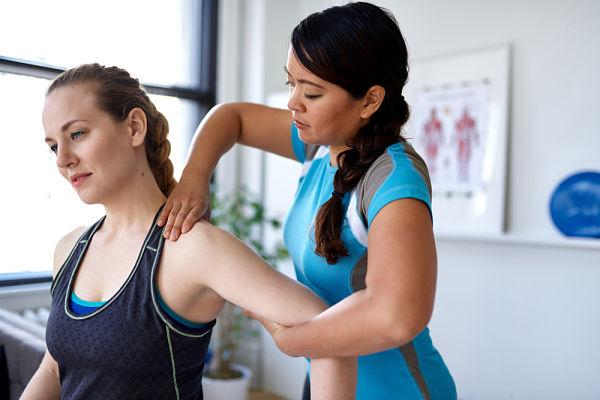 Fisioterapia-para-hombro-congelado-en-clínica-especializada